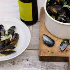 Mussels with White Wine, Fennel, and ...