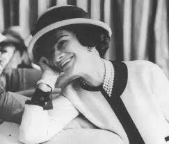 19 agosto 1883: nasceva la celebre stilista francese Coco Chanel ...