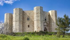 Castel del Monte: la leggenda e come visitare il castello