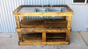 pallet outdoor fish filleting station