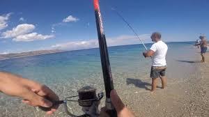 Tonni Alletterati da riva / Tuna fishing from beach - YouTube