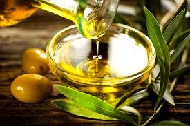 olive oil as a makeup remover and its