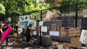 The Fence Outside The White House Has Been Converted To A Crowd Sourced Memorial Wall Almost Like An Art Gallery To Black Men And Women Who Lost Their Lives At The