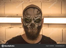 skeleton makeup guy make up the skull