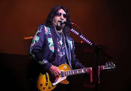 Ex-Kiss Guitarist Ace Frehley Details Phone Call That Made Him Get Sober |  The Fix