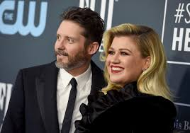 Kelly Clarkson files for divorce from ...