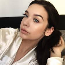 be natural with makeupbymandy24