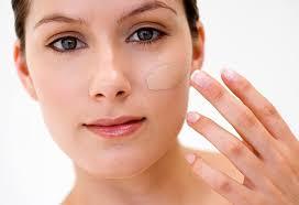 11 ways to keep your makeup germ free
