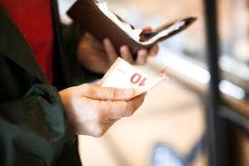 tips for handling money in france