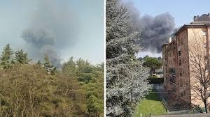 Gallarate, incendio in un'azienda di materie plastiche