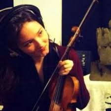 Book Abigail Young, Violinist in Glasgow - Encore Musicians