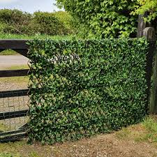Privacy Screening Artificial Variegated Laurel Leaf Expanding Willow Trellis