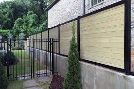 horizontal fence design a modern and