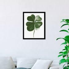 Shop Oliver Gal Four Leaf Clover Floral And Botanical Wall Art Framed Print Botanicals Green White Overstock 32194482
