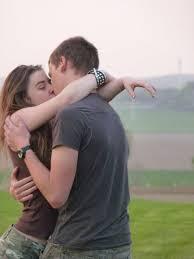 بوس الشفايف اجمل صور قبلات الاصدقاء للاصدقاء
