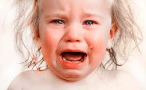 「泣き顔 画像」の画像検索結果