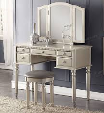 bedroom vanity with color silver so