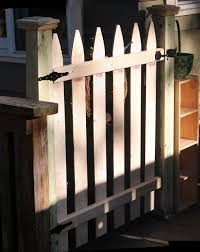 My Great Challenge Dog Gate For Your Deck Deck Gate Dog Gate Diy Porch