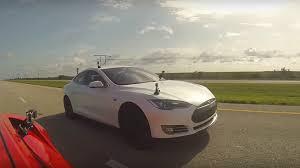 Tesla Model S P85D vs Lamborghini Huracan