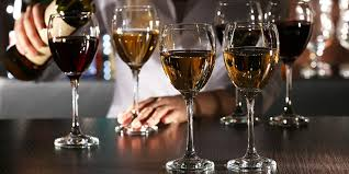 glass vs crystal wine glasses a