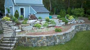 tips to build retaining wall for beauty