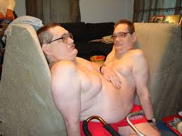 Record-breaking oldest-ever conjoined twins Ronnie and Donnie die ...