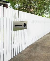 How To Build A Picket Fence And Letterbox Fence Design Front Yard Backyard Fences