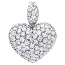 heart puff diamond pave pendant in 18