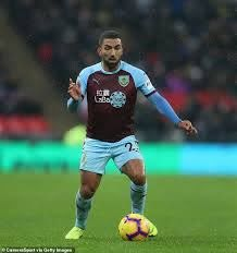 Dyche is frustrated as Aaron Lennon undergoes knee surgery | Daily Mail  Online