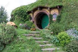 Bilbo Baggins Home And Hobbit Garden In Hobbiton Movie Set, New ...