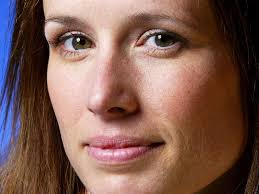 TATTOO GOOGLE: American film and television actress and singer Shawnee Smith  Pictures