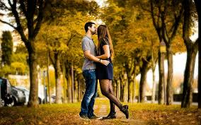 hd wallpaper kiss love autumn alley