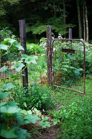 Inspiring Rustic Garden Fence Ideas Homemydesign