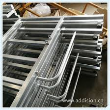 China Steel Aluminium Wrought Iron Railing Handrail Temporary Fencing Fence Swing Gate Driveway Gate Cattle Sliding Gate With Cattle Scale China Sliding Gate Cattle Horse Gate