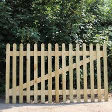 New Oak Picket Panel Buy Oak Fencing Online From The Experts At Uk Timber