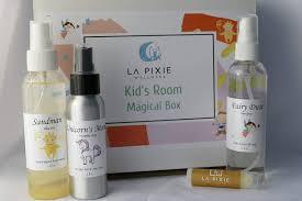 Amazon Com Kids Room Spray Gift Set Pure Essential Oils Fairy Dust Room Spray Sandman Spray Keep Monsters Away Lavender Bergamot Sandalwood Gift For Kids Bedtime Story Handmade