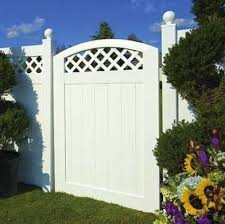 Fence Materials 7 Top Options For Today Bob Vila
