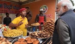 मां नहीं, इस शख्स के हाथ का खाना खाते हैं नरेंद्र मोदी, सामने आई PM के घर  की रसोई के अंदर की बातें | narendra modi personal cook badri meena shares  prime