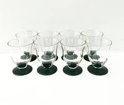 wine glass art deco footed round black