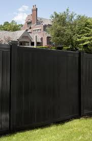 Illusions Pvc Vinyl Fence Photo Gallery Illusions Fence Fence Design Vinyl Fence Wooden Fence