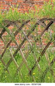 Woven Willow Screen Fence England Uk Stock Image Garten Deko Garten Gartengestaltung