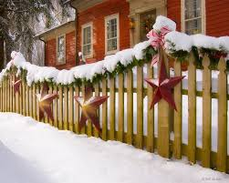 How To Decorate Your Fence This Christmas Dfwfenceandarborpro