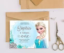 Invitacion De Cumpleanos De Elsa Invitaciones De Elsa Invitaciones De Cumpleanos De Elsa Invitaciones De Cumpleanos Congeladas Invitacion Congelada Frozen Invitaciones De Frozen Invitaciones De Cumpleanos Tarjetas De Invitacion Frozen