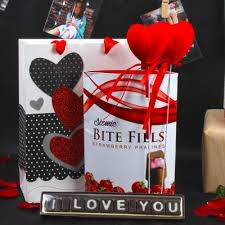 valentine gifts her and send