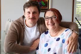 Samuel Dale Johnson at home with his mum - ABC News (Australian ...