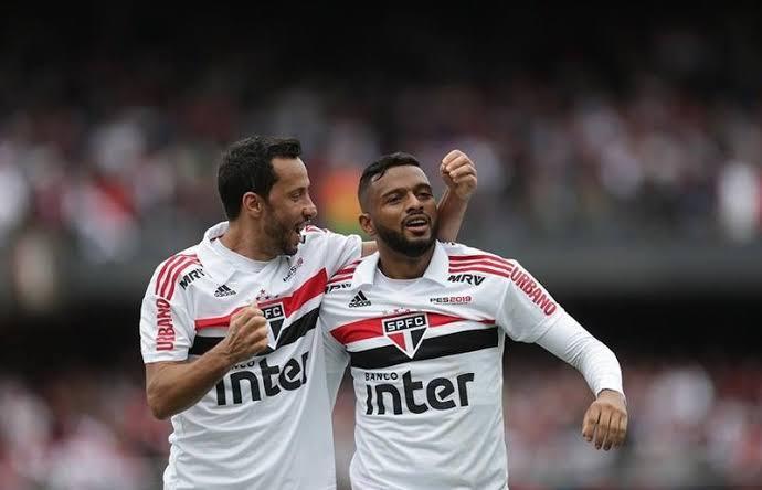 Resultado de imagem para São Paulo visita o Bahia para tentar voltar ao G4 da tabela
