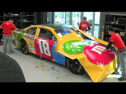 Incredible 2013 Kyle Busch M M S Nascar Wrap Time Lapse How Nascar Cars Are Painted Youtube