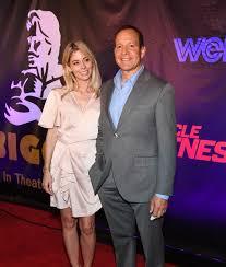 Steve Guttenberg Marries Journalist Emily Smith | ExtraTV.com