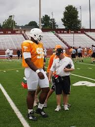 Mount McCullers a key piece for Tennessee's defense - Saturday ...