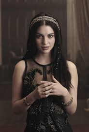 Reign: Adelaide Kane on Playing the Queen in The CW's New Drama - IGN